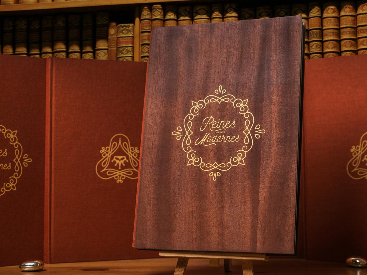 Fwells - Réalisations - Reine des temps moderne - sérigraphie sur bois et toile