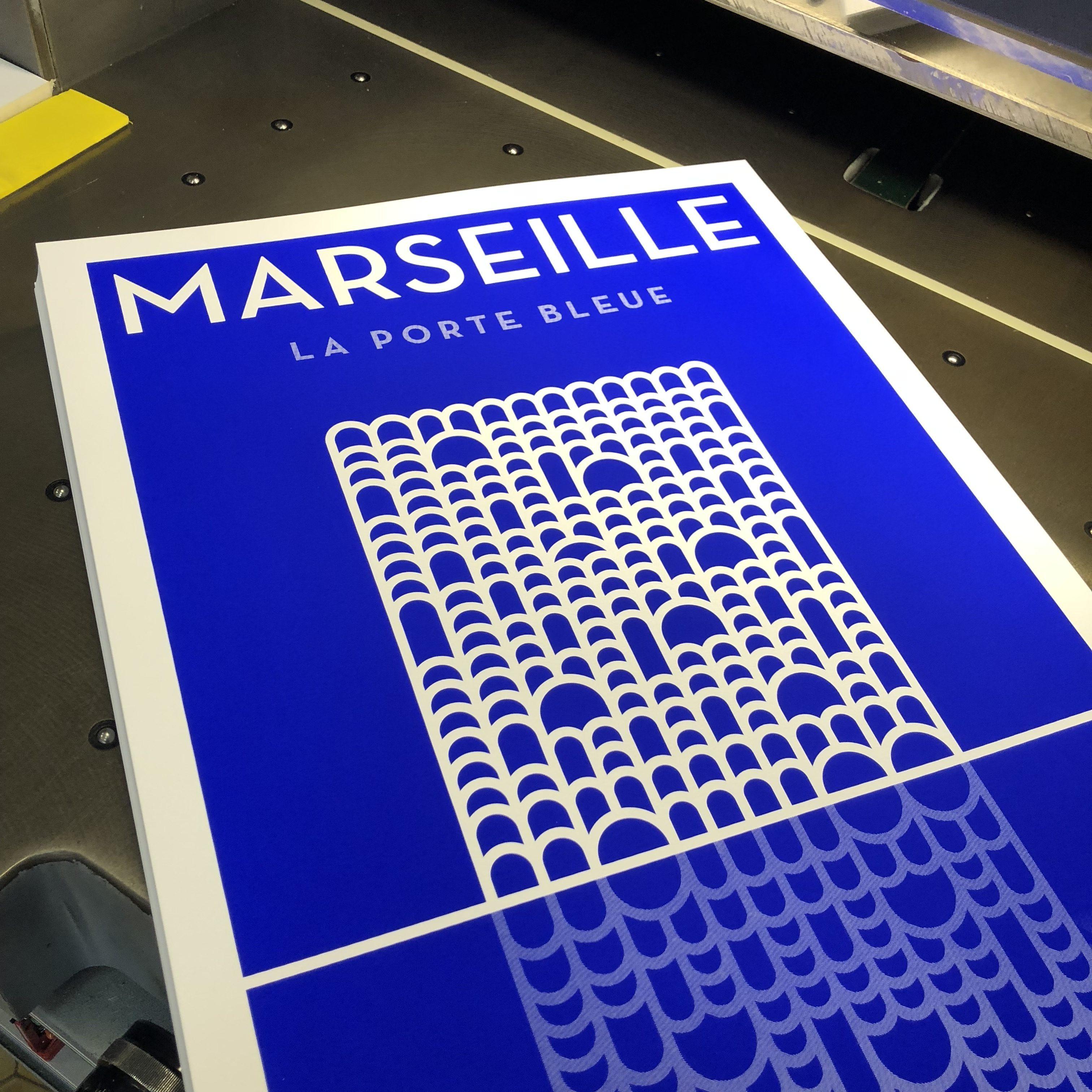 marseille-la-porte-bleue-serigraphie-bleu-electrique-atelier-fwells-pietriarchitectes-H5studio